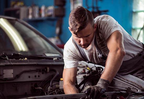 Mechanik samochodowy