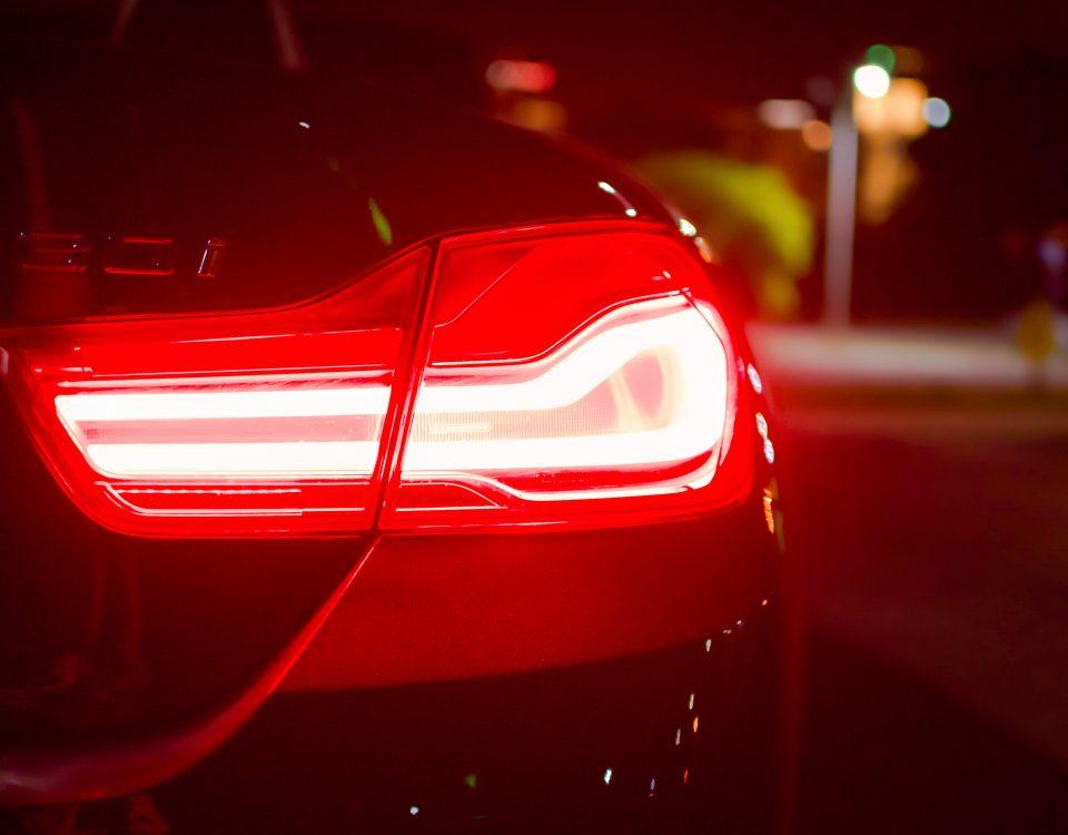światło samochodowe